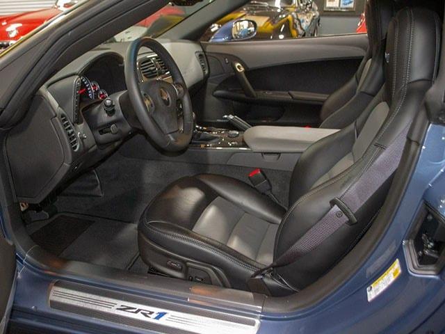 2011 Corvette Supersonic Blue int