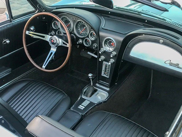 1964 Corvette Convertible int