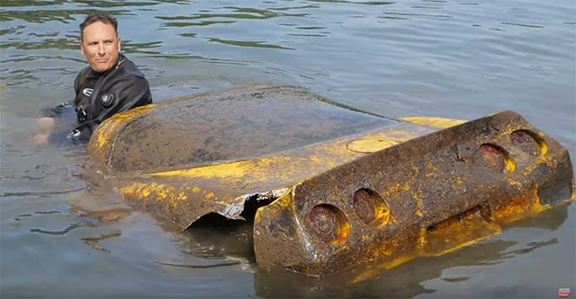 Submerged Corvette Recovered